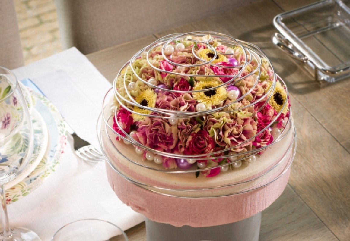 Layered cake dummy dome - OASIS® Floral Products
