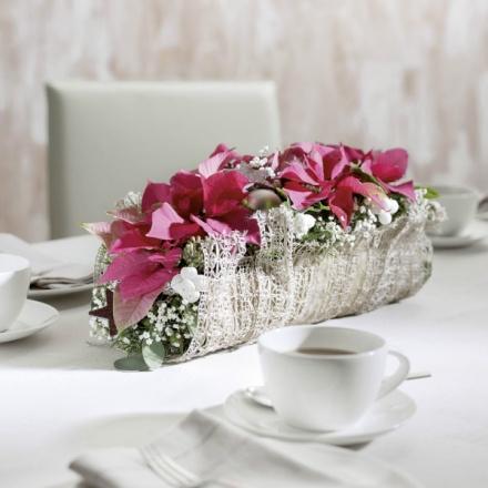 Christmas flower table decoration