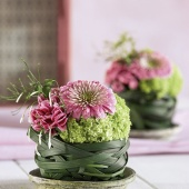 12cm Oasis Ideal Florist Foam Sphere Wet Fresh Flower Topiary Ball